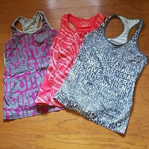Tops - Workout tank lot